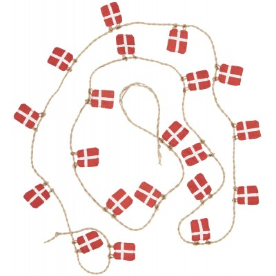 Гирлянда из двадцати датских флагов