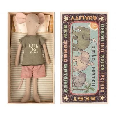 Мышонок в коробке Мальчик, Медиум